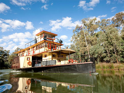 PS Emmylou on the Murray River, Echuca